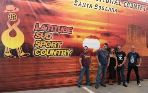 lil-dixie-santa-suzanna-2014-le-groupe-500x315